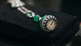 S1x1 christies diamond green watch banner