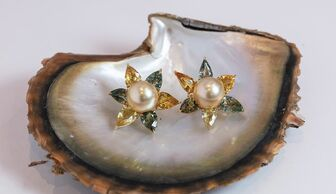 S1x1 assael golden pearl earrings banner