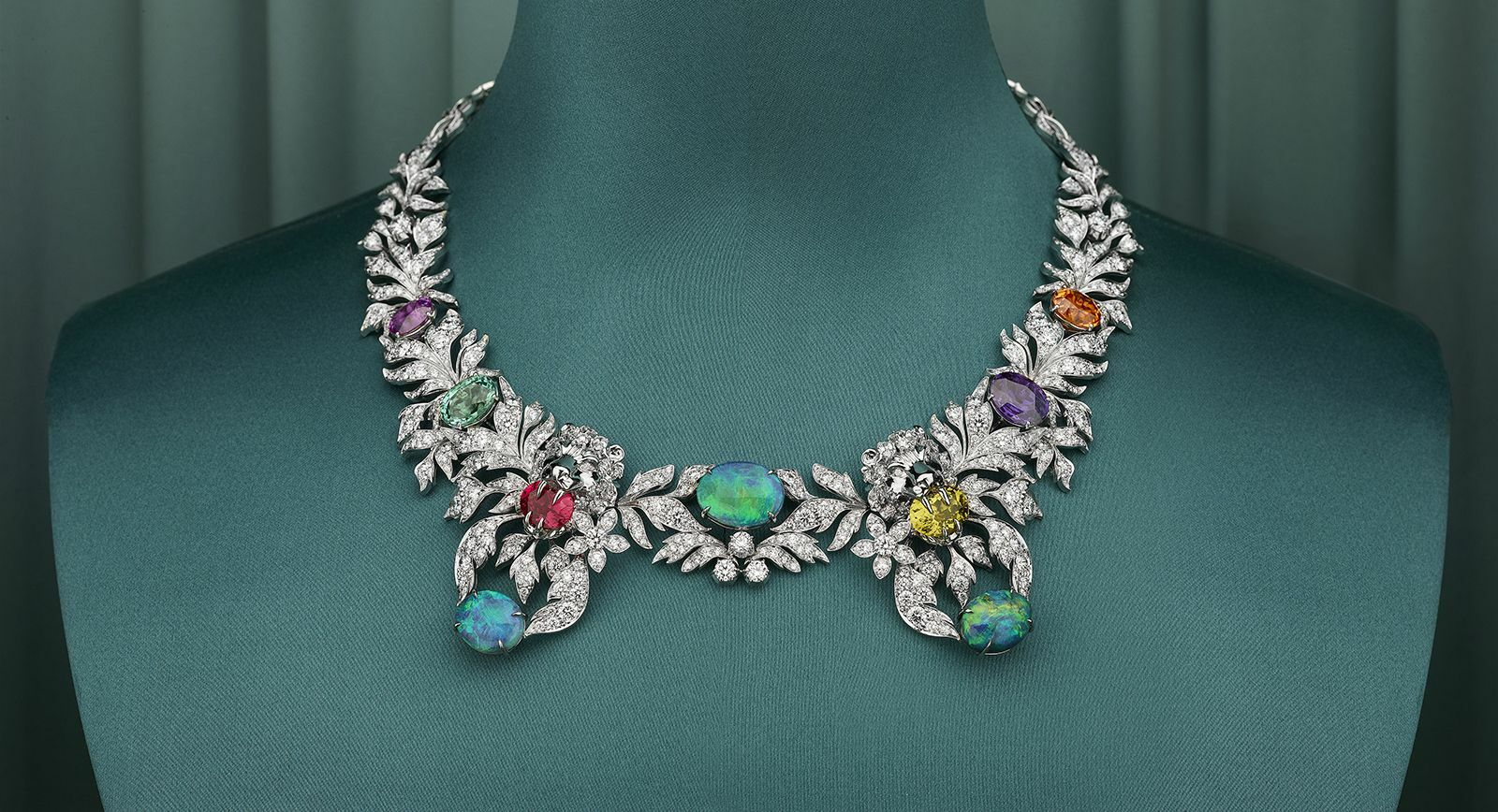 Gucci Hortus Deliciarum necklace