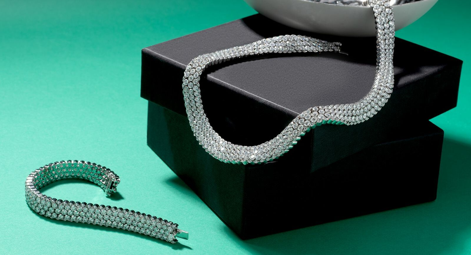 Stenzhorn 'Una' collection choker and bracelet with invisible set diamonds