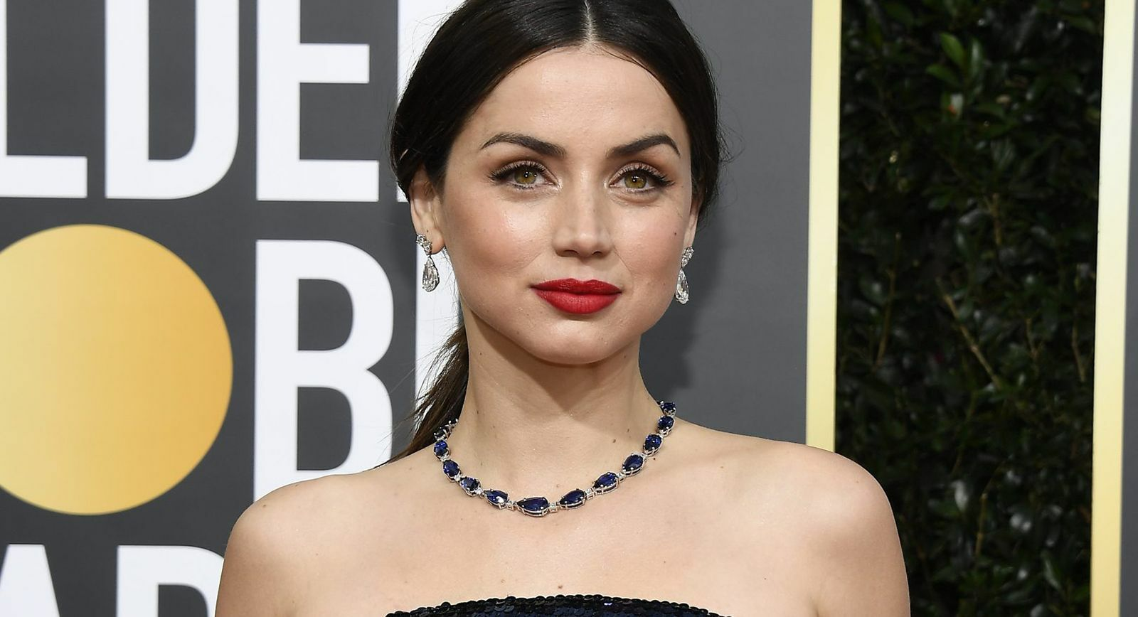 Ana de Armas in Tiffany and Co. 'Blue Book 2019' collection sapphire and diamond necklace and earrings