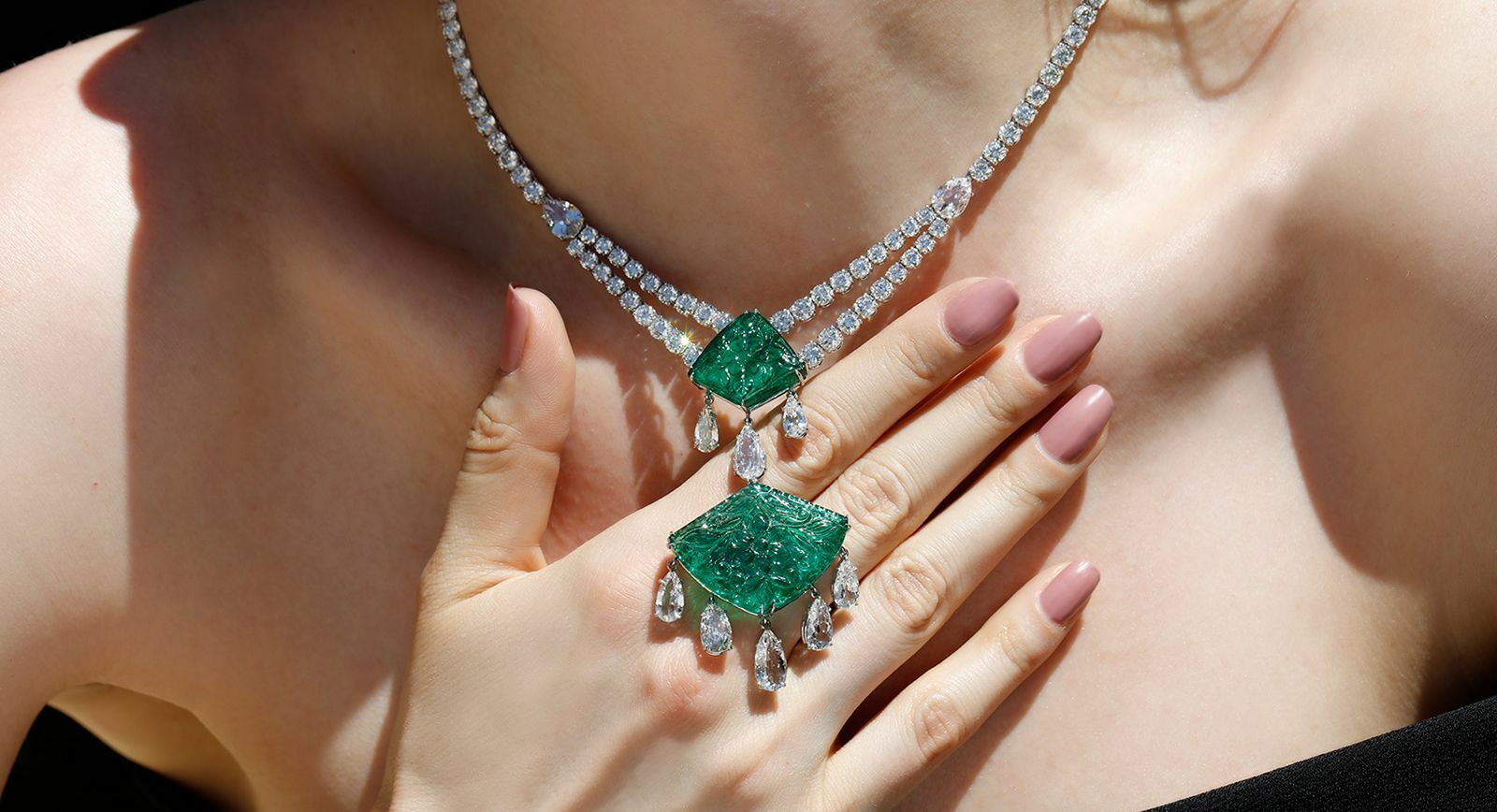 Bayco carved emerald necklace