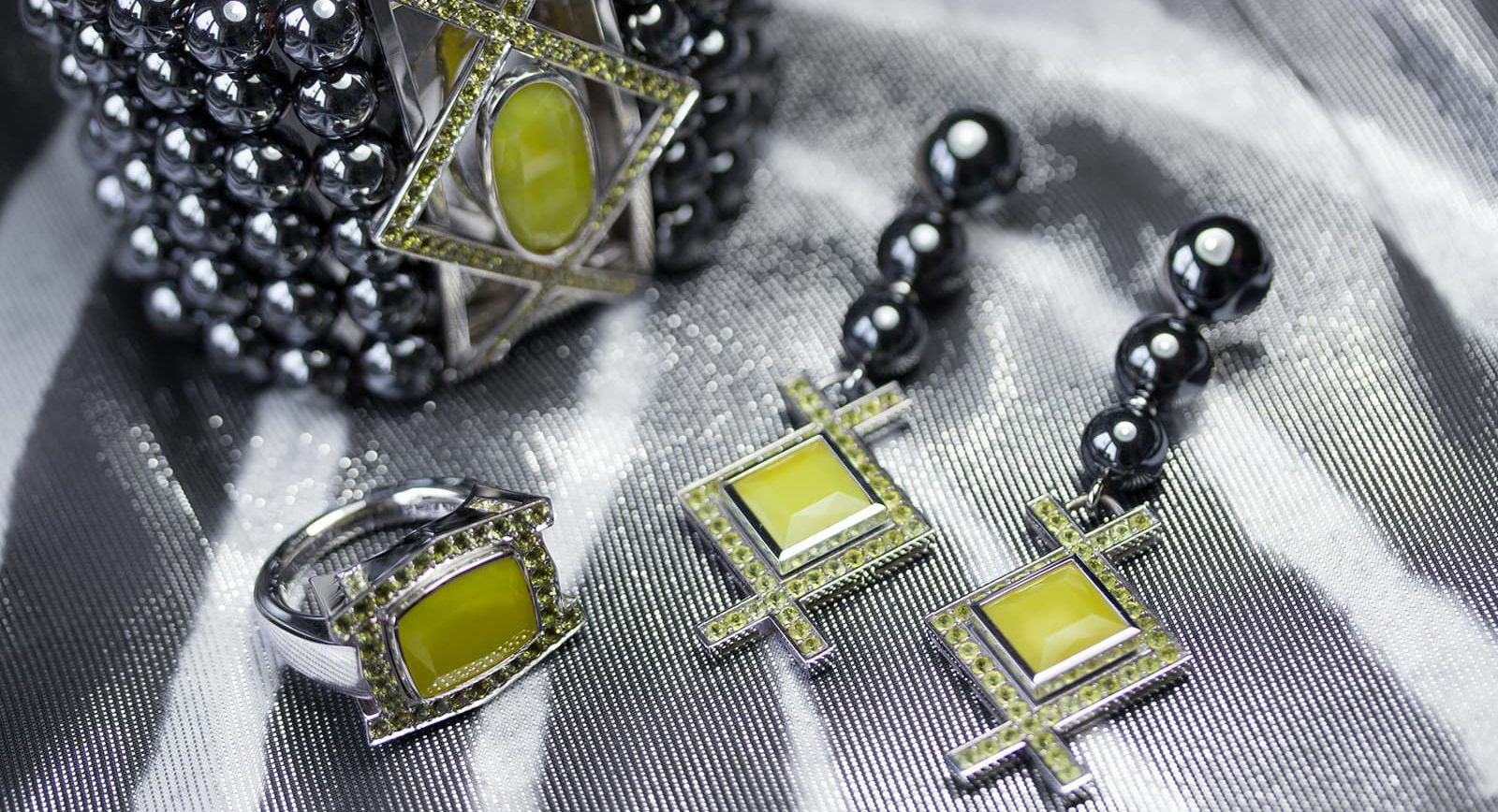 Brummé Su Sulfuru jewels set with yellow smithsonite from Sardinia, canary tourmalines and haematite globes