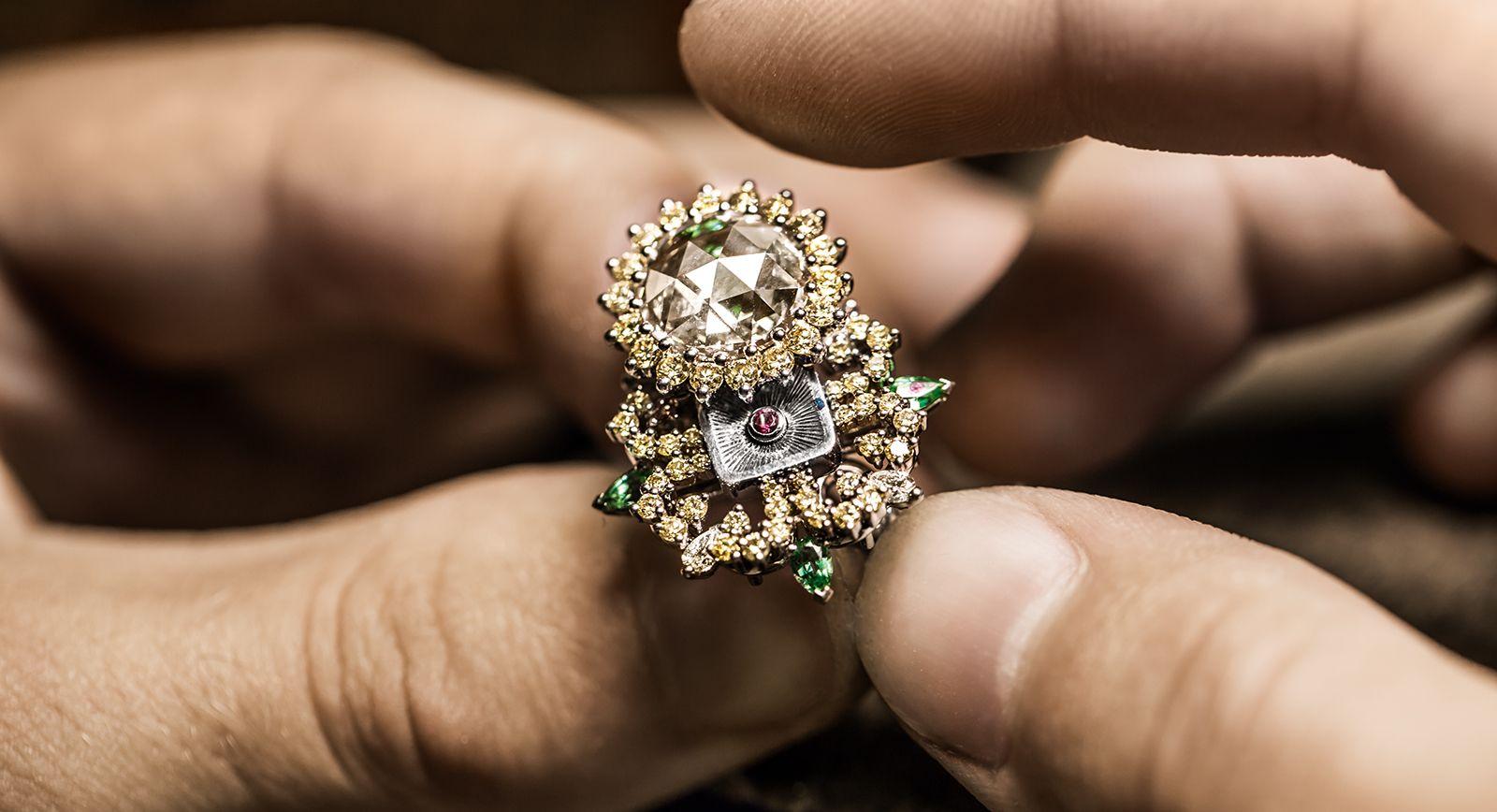Pièces Secrètes: The new Dior à Versailles high jewellery ...