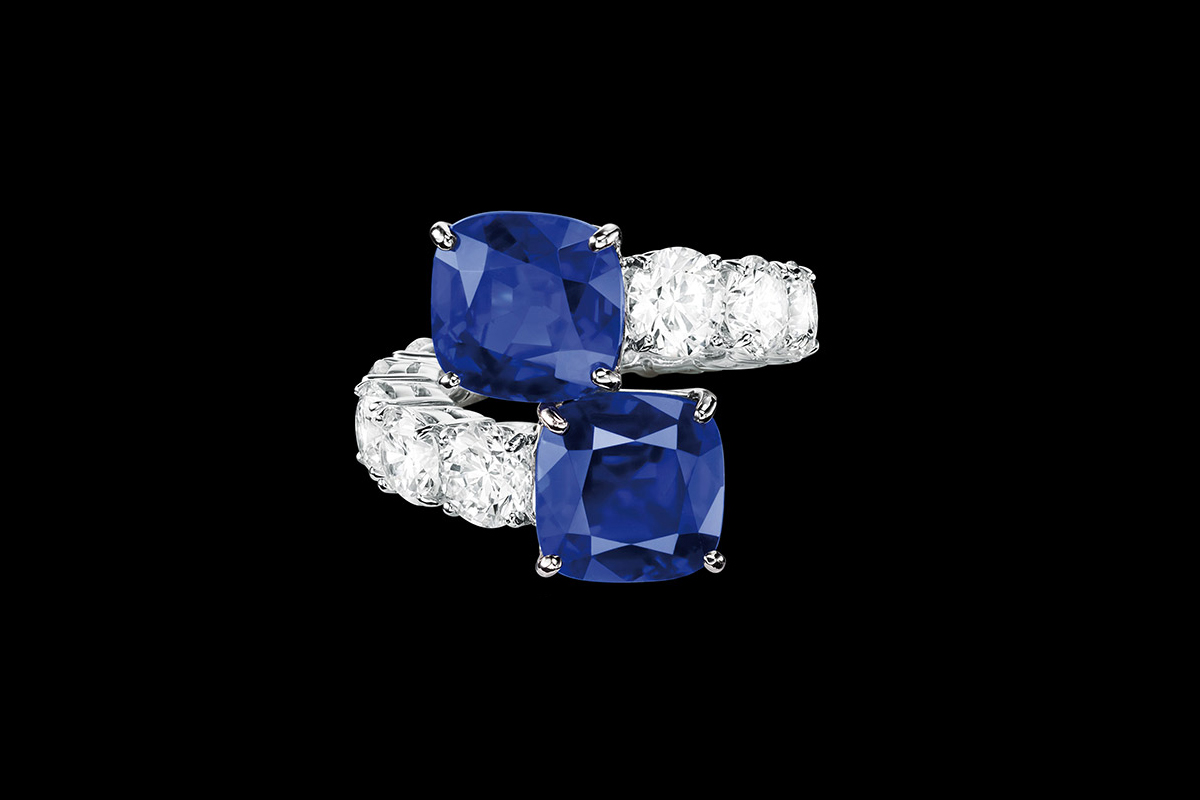 Sabbadini Toi&Moi ring with two Kashmir sapphires just over 7cts each