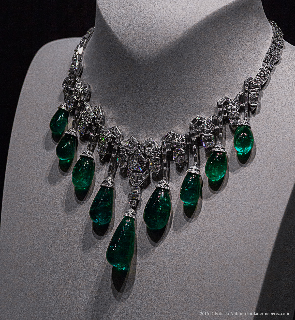 Collaret, 1929. Platinum, emeralds, diamonds. In the former collection of Princess Faiza of Egypt