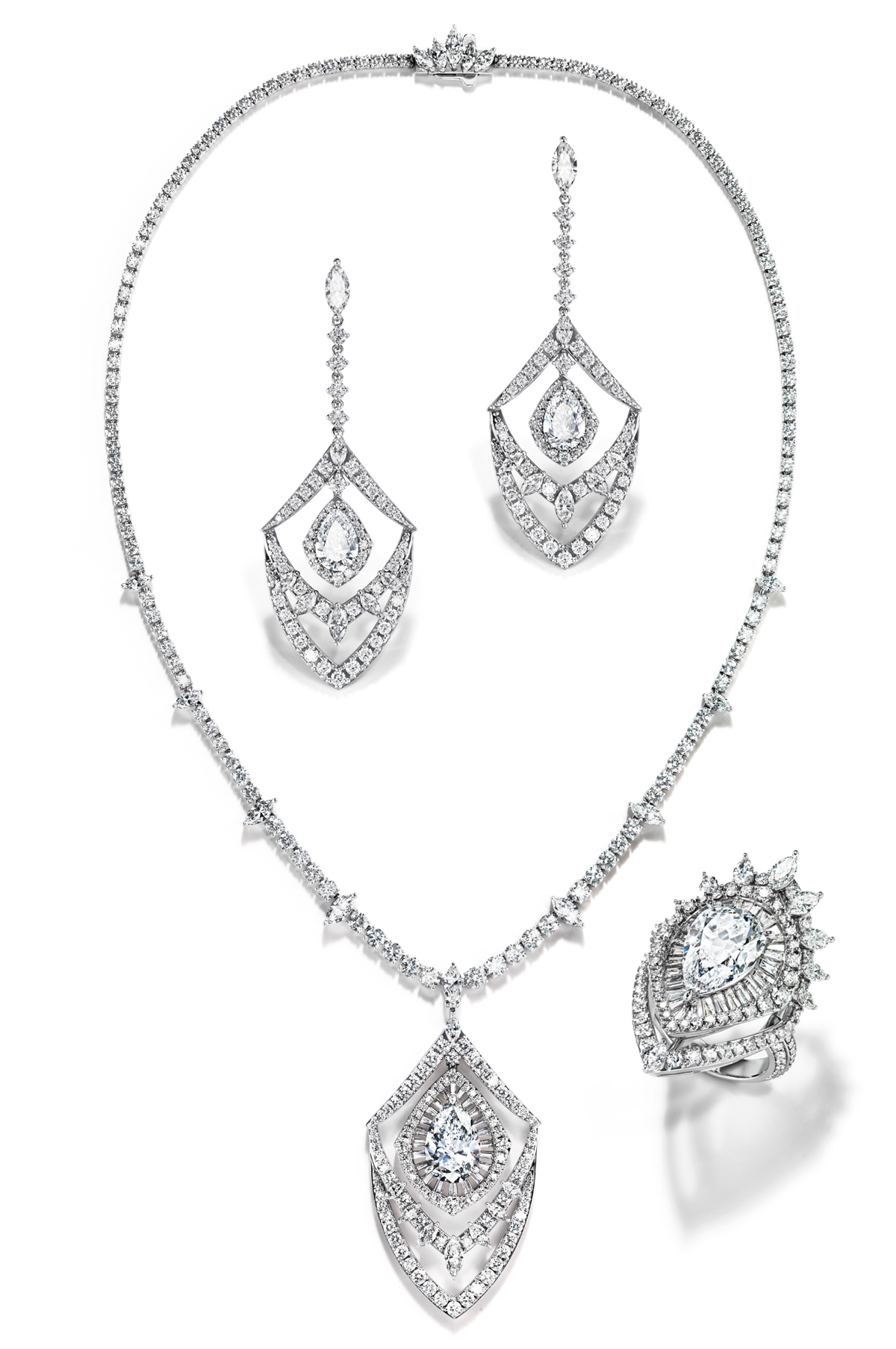 Ritz Pari set from the Paris par Tasaki collection