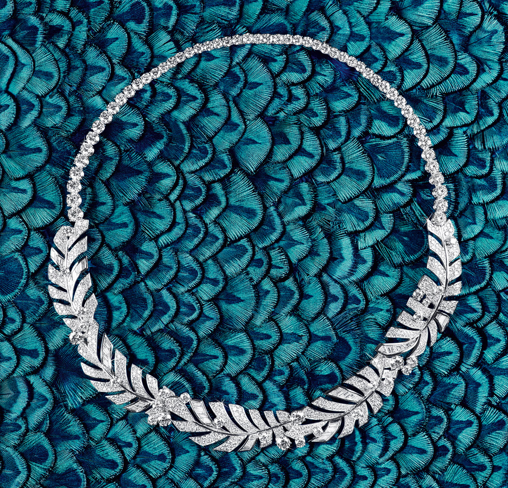 Piaget necklace with 680 brilliant cut diamonds weighing approximately 25.80 cts and 37 baguette diamonds weighing 3.18 cts