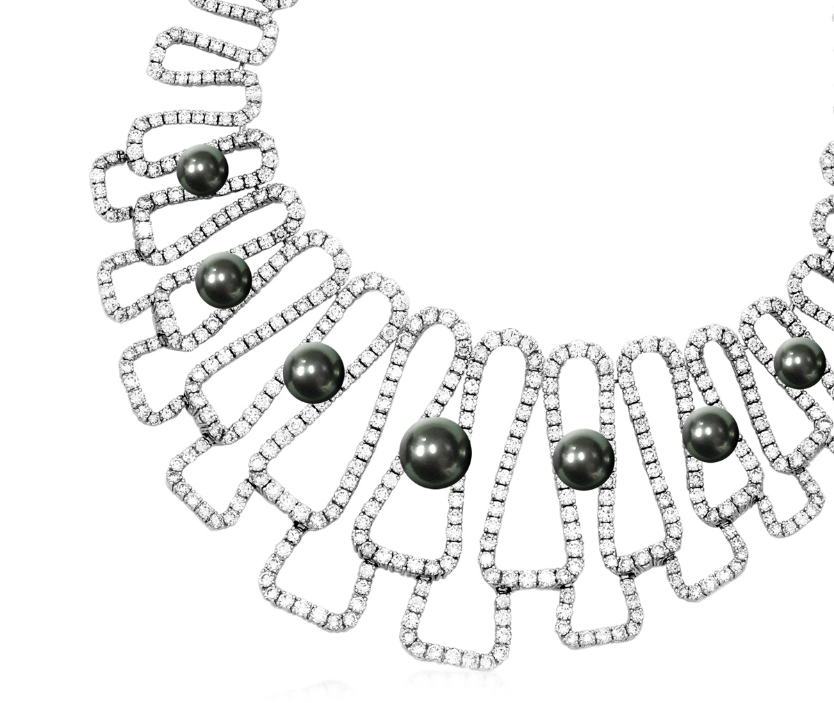 Qayten Tahiti Bliss necklace with Tahitian pearls and diamonds