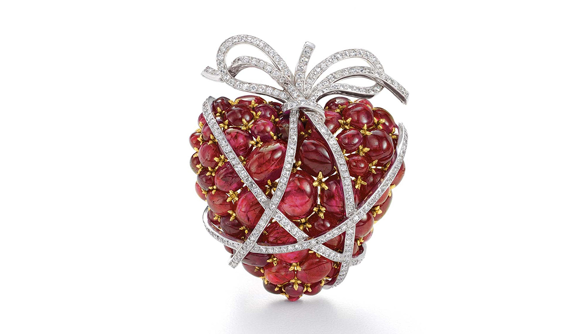 Wrapped Heart brooch with rubies and diamonds by Verdura
