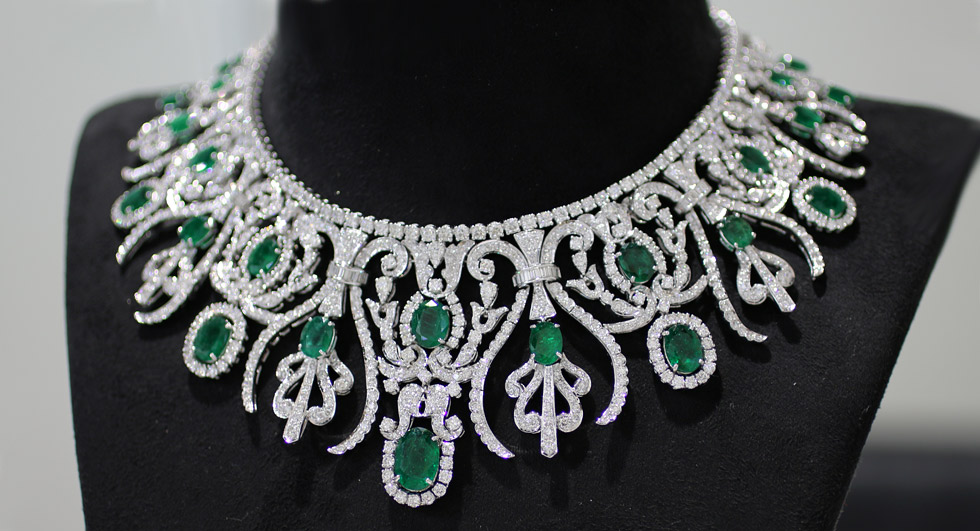 Bapalal Keshavlal emerald and diamond necklace