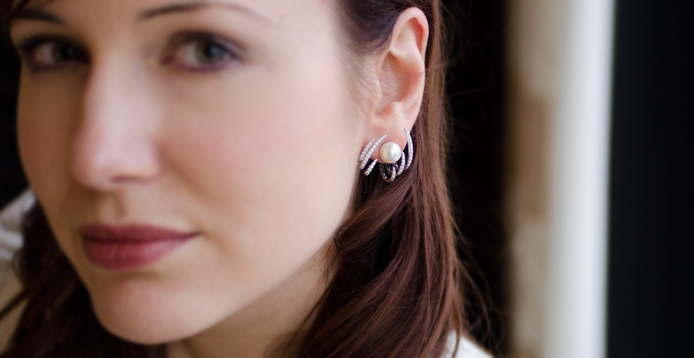 Kavant&Sharart pearl earrings with interchangeable ear jackets