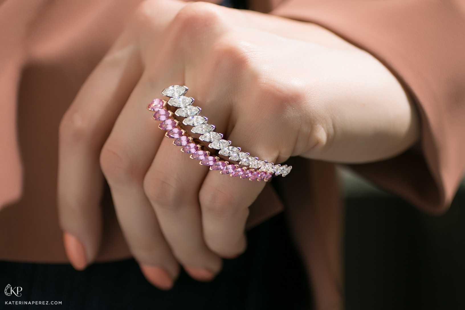 Baenteli 'Cascades' double finger rings in pink sapphires and diamonds