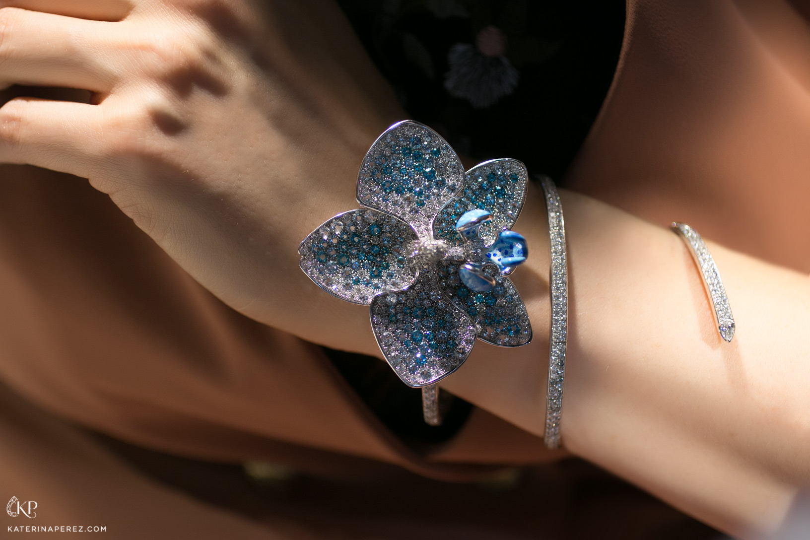 ANGRY transformable orchid bracelet, brooch and ring in pave diamonds