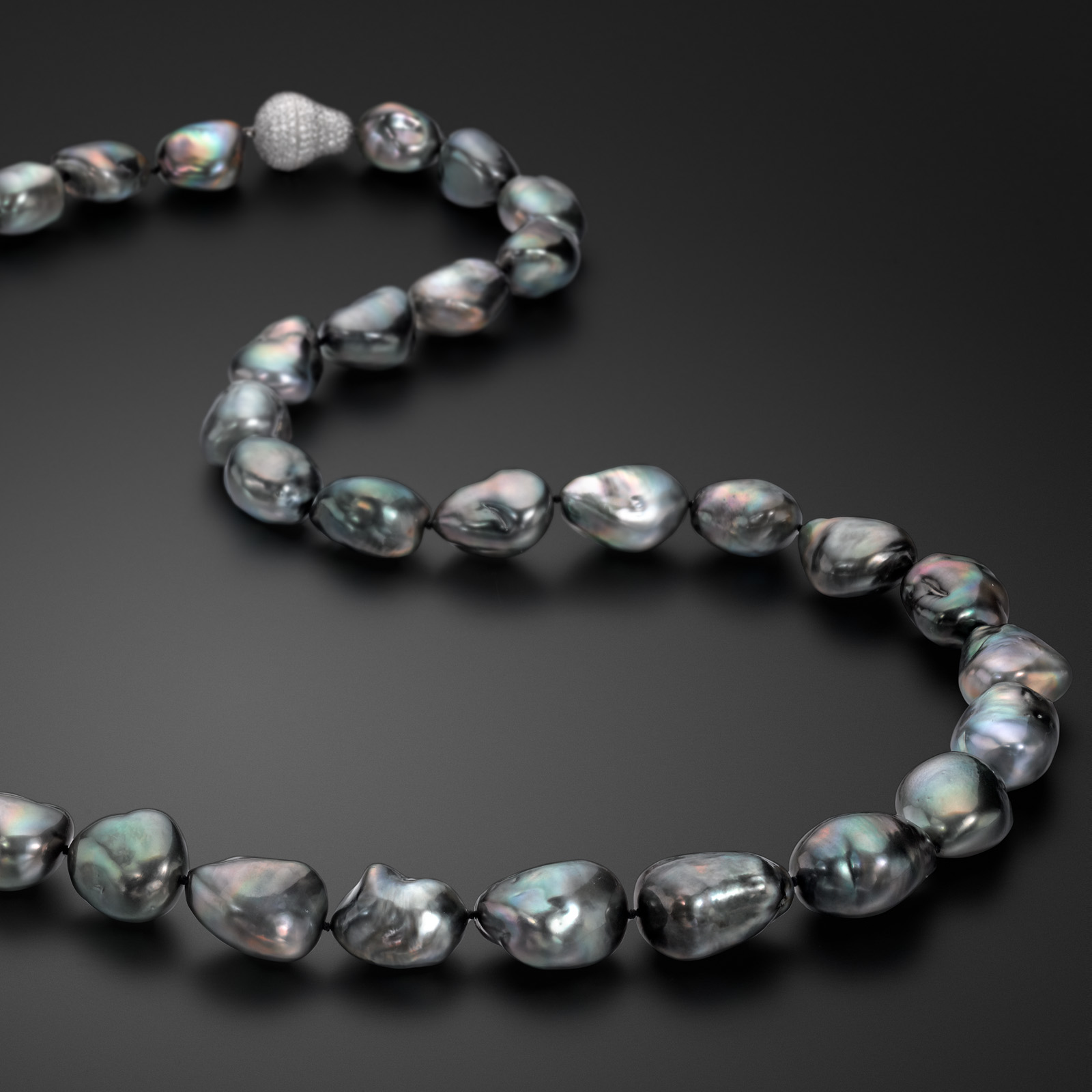 Assael necklace with Tahitian baroque pearls
