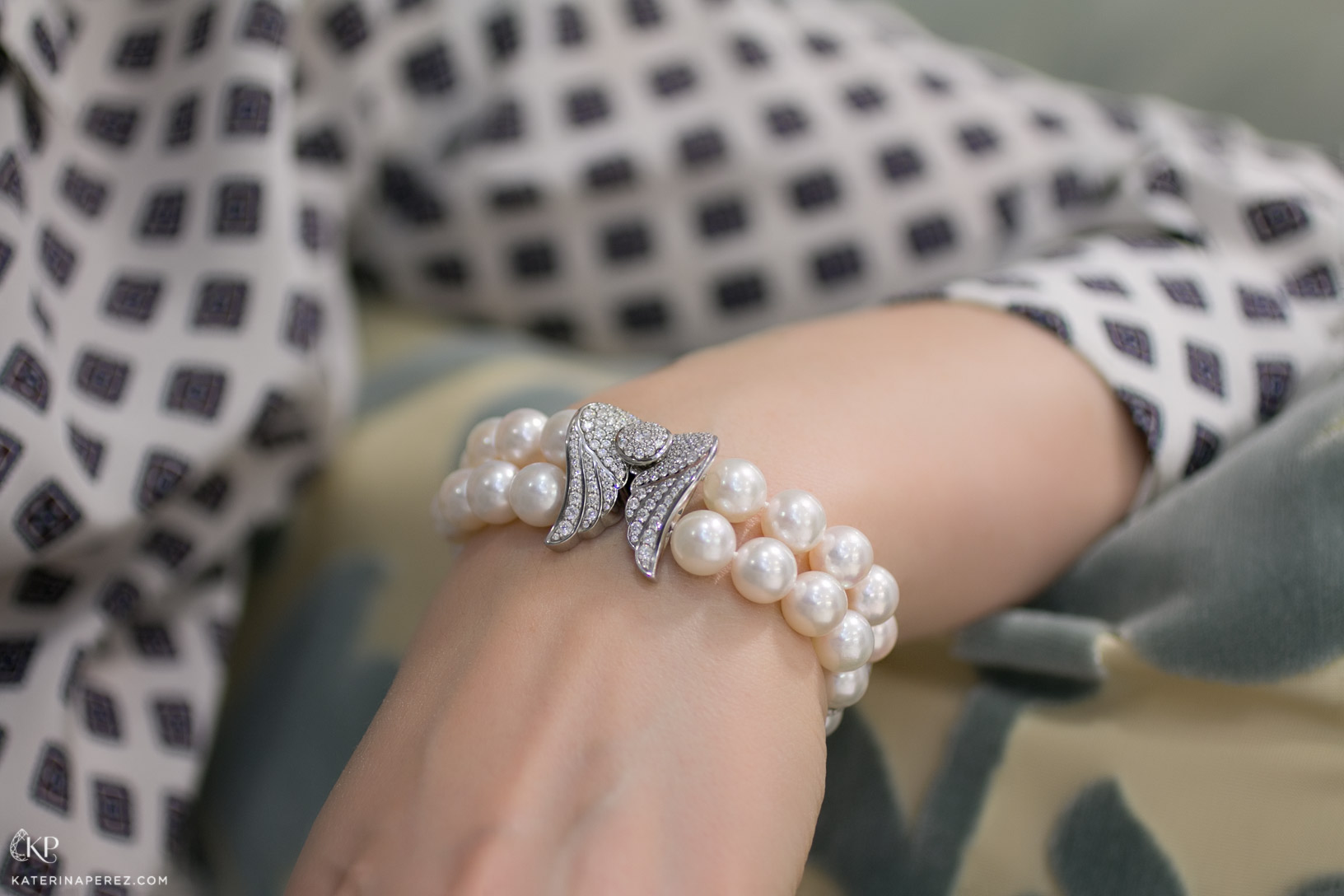 """Podnebesnaya and Podnebesny. Pearls and gems"" akoya pearls bracelet with diamonds"