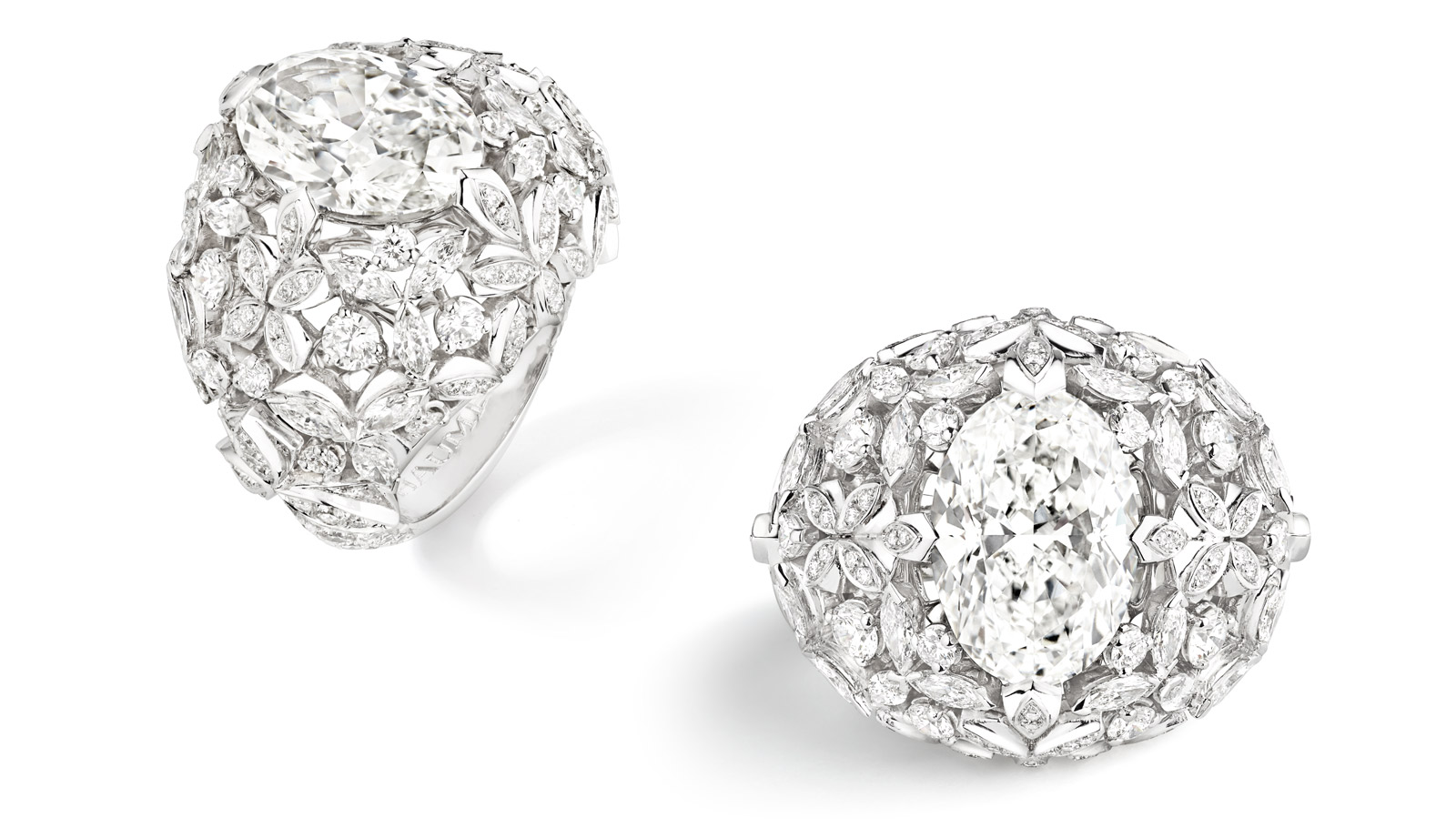 Chaumet 'Promenades Imperiales' ring in 18k white gold, with a 5.82 ct oval cut diamond, and diamond accents