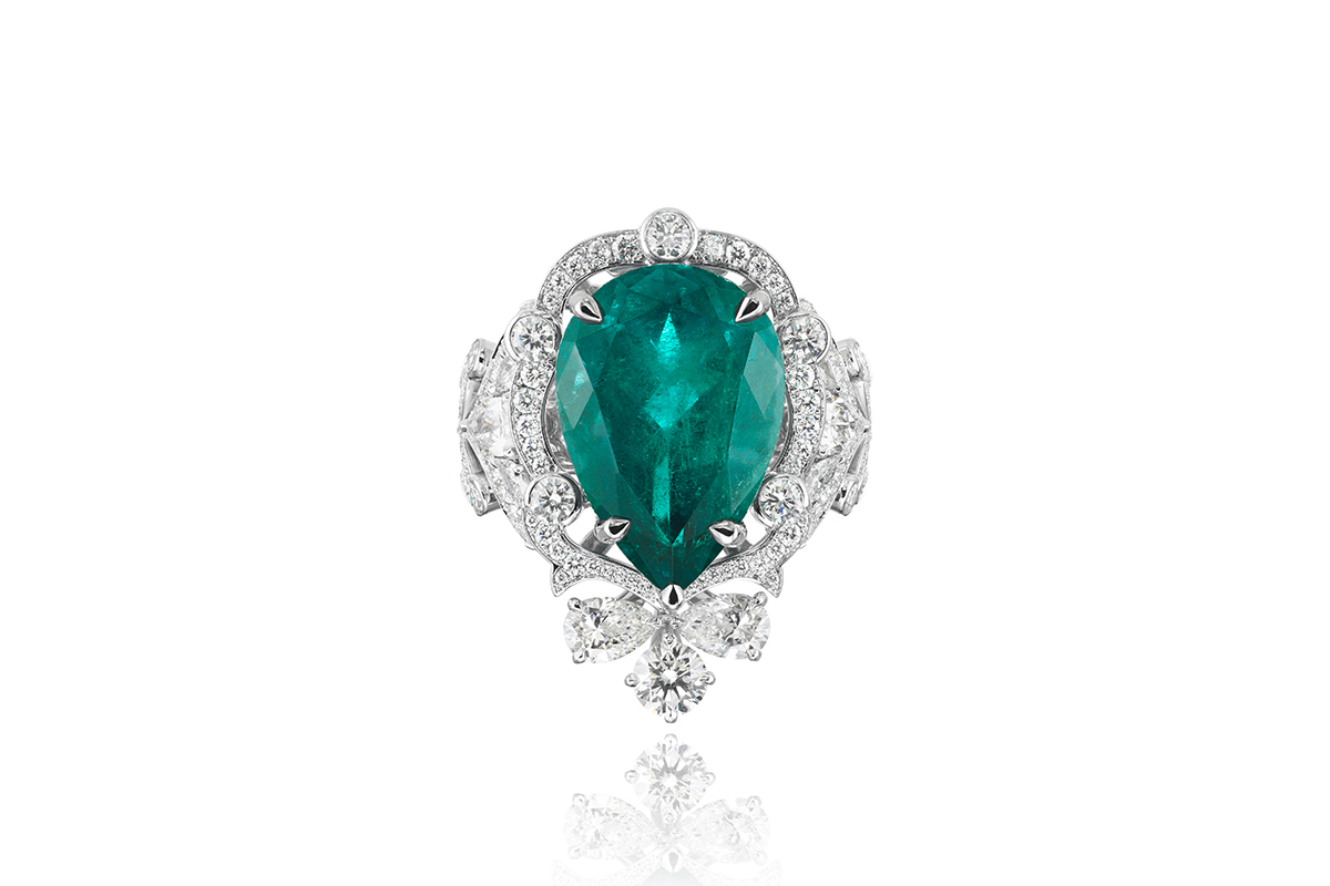 auctions brilliant antiques colombian carat art diamond round cut and estate karat jewelry valentines emerald square