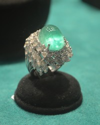 Magnificent Paraiba tourmaline and diamonds cocktail ring by Scala