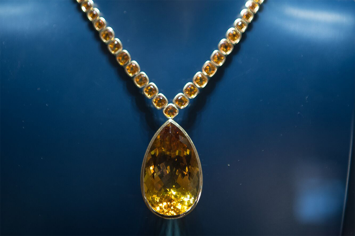 Robert Procop 'Style of Jolie' necklace with 64 graduated-in-size and bezel set cushion cut citrines and 177.11 ct pear shape citrine drop