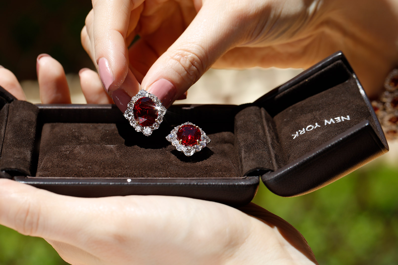 Bayco earrings with Thai rubies of 7 and 8 carats as well as diamonds