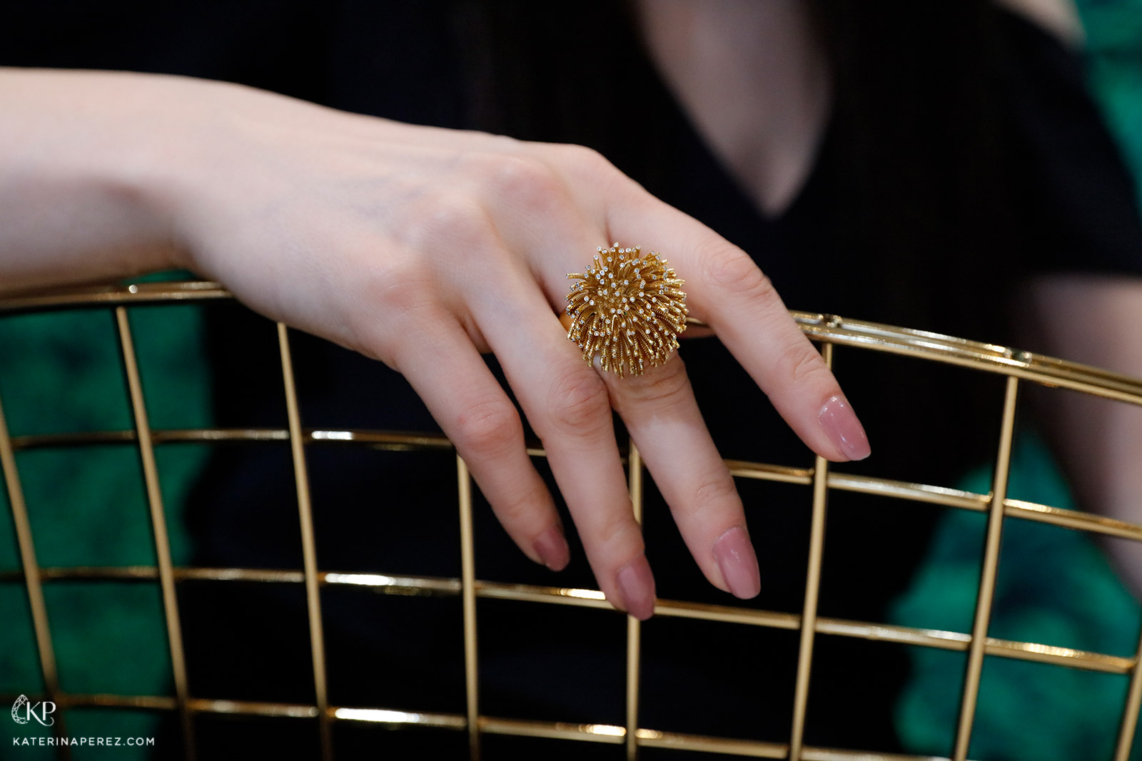 CADAR 'Fur' ring in yellow and diamonds from the 'Second Skin' collection