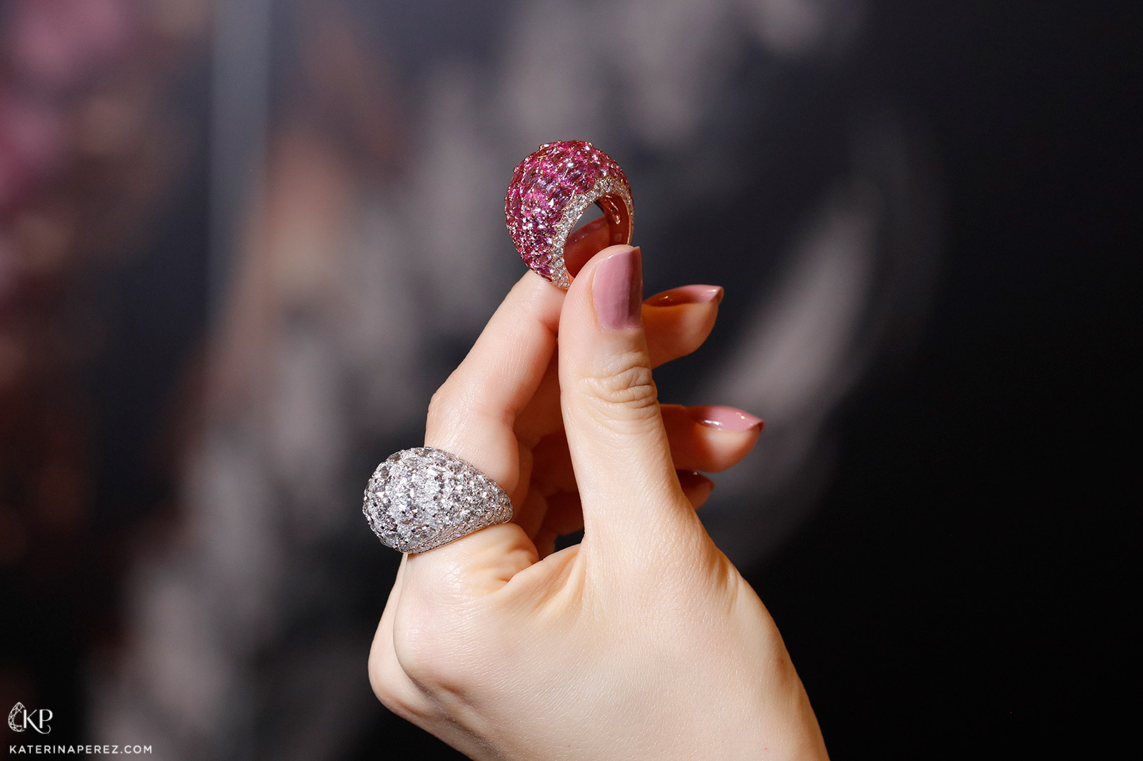 Baenteli Sphere rings with pink sapphires and diamonds