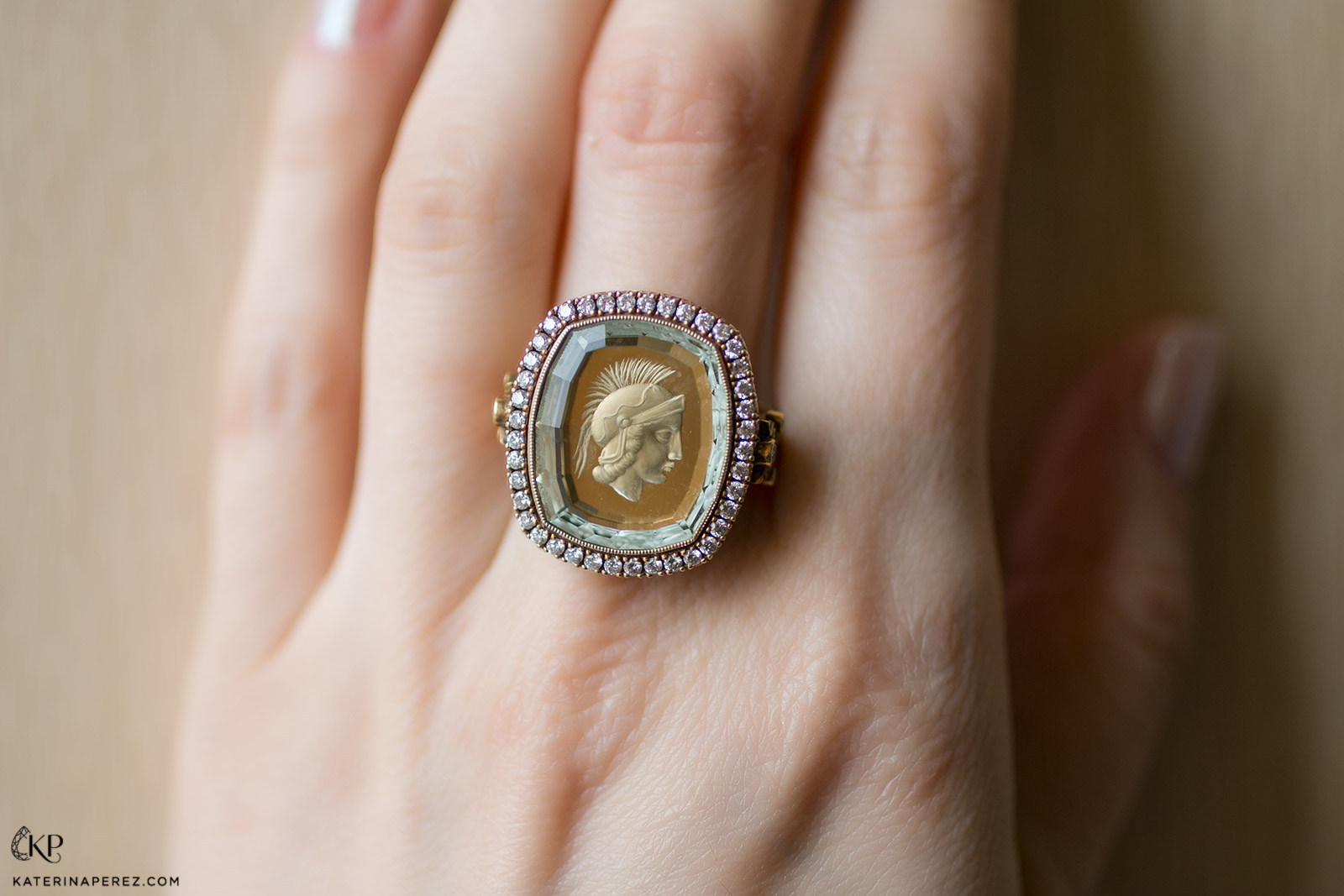 Argentov ring with intaglio