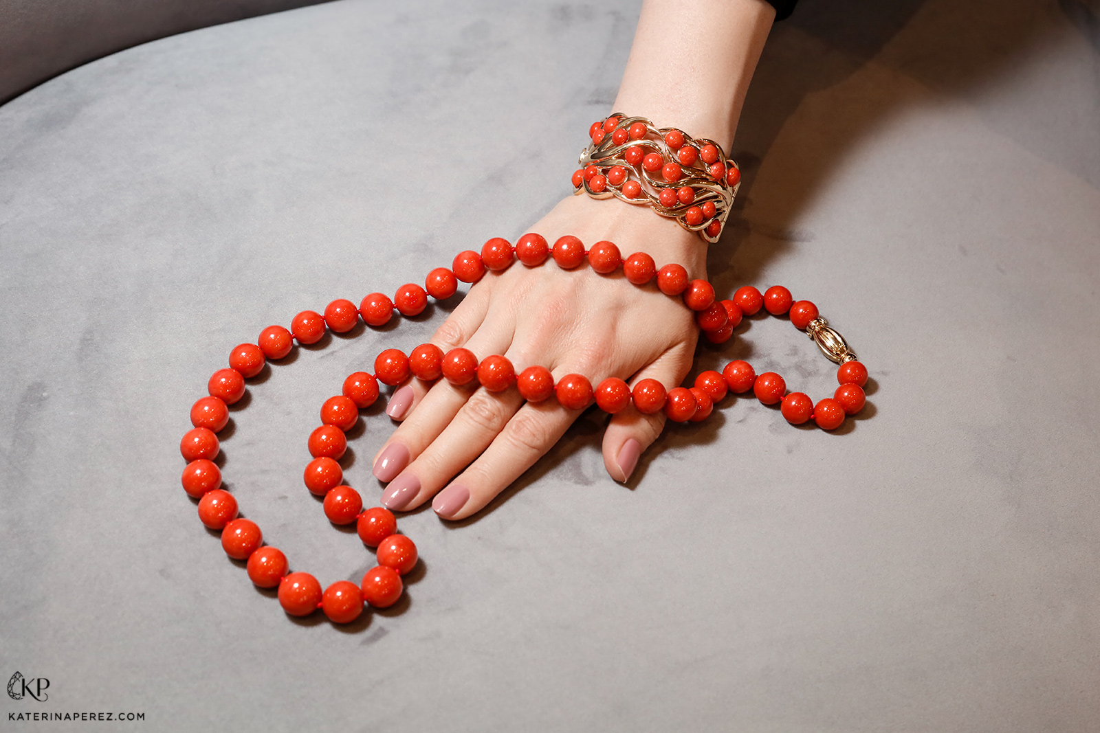 Assael necklace and cuff with Sardinian coral and yellow gold