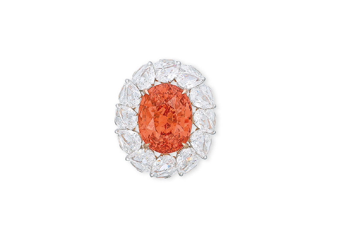 Ring with oval Sri Lankan Padparadscha sapphire of 28.04 carats auctioned at Christie's in November 2017