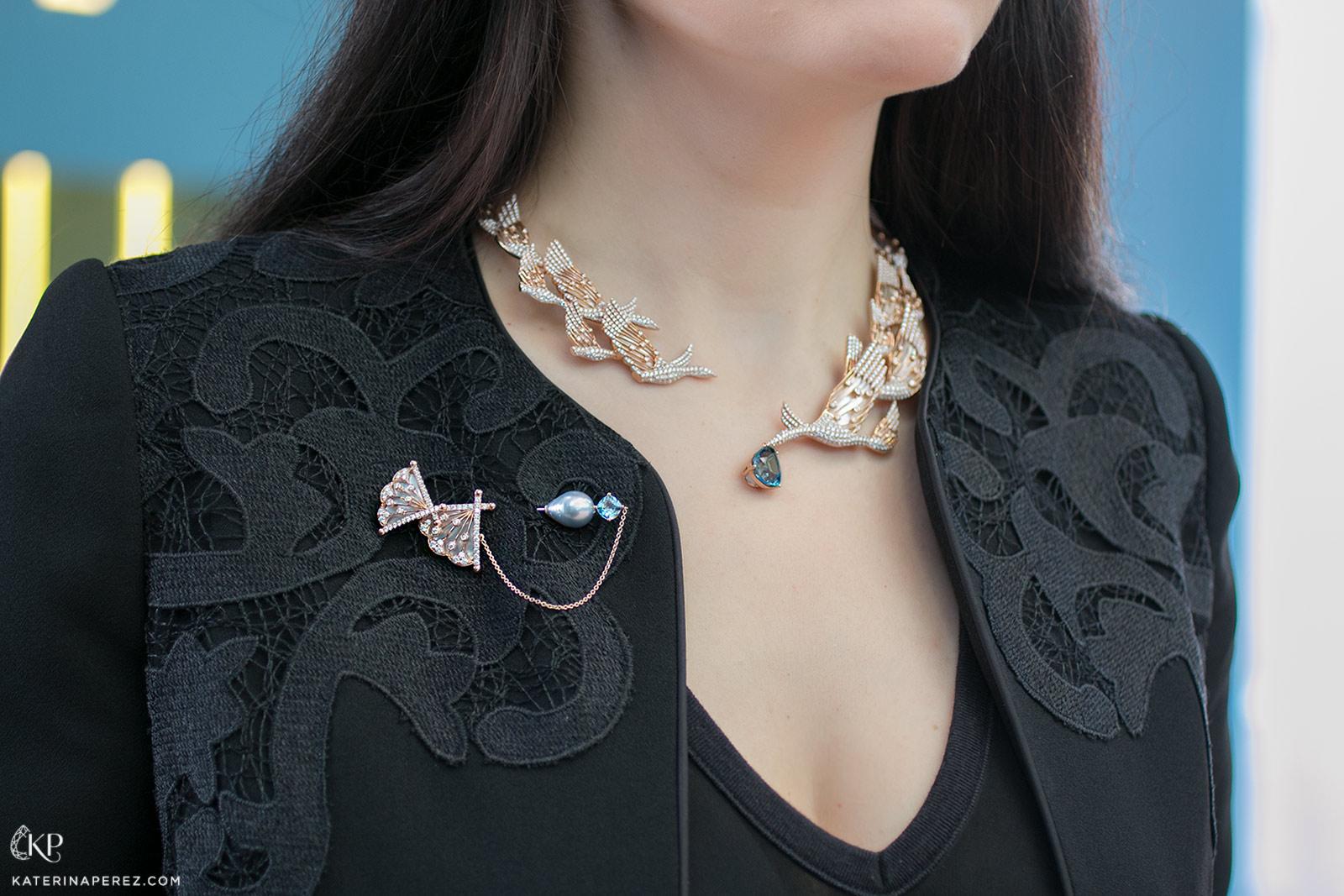 Брошь и колье Simone Jewels �Paradiso' из 18k розового золота  грушевидным аквамарином 7.60ct Santa Maria, бриллиантами и перламутром