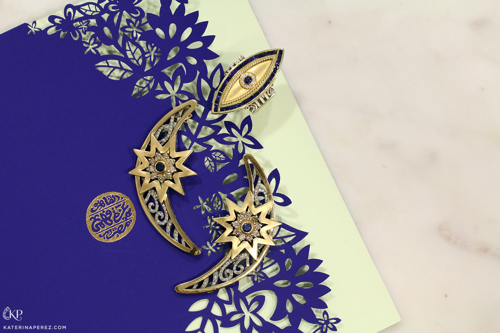 Azza Fahmy The Gypse collection earrings and ring in yellow gold with diamonds and sapphires