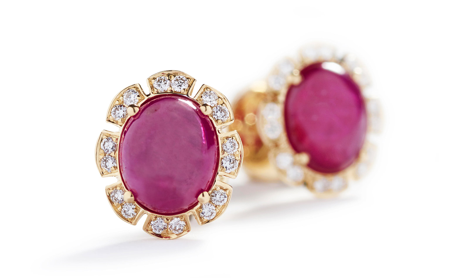 Hartmann's earrings with 2.96 cts Greenland rubies