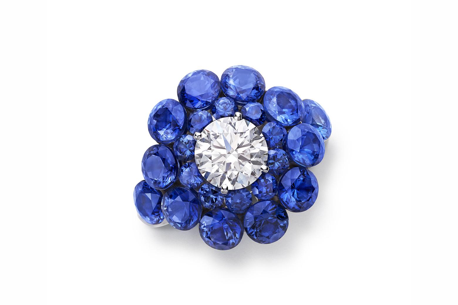 Кольцо Chopard Magic Setting из 18к белого золота с центральным бриллиантом 1.6ct и сапфирами
