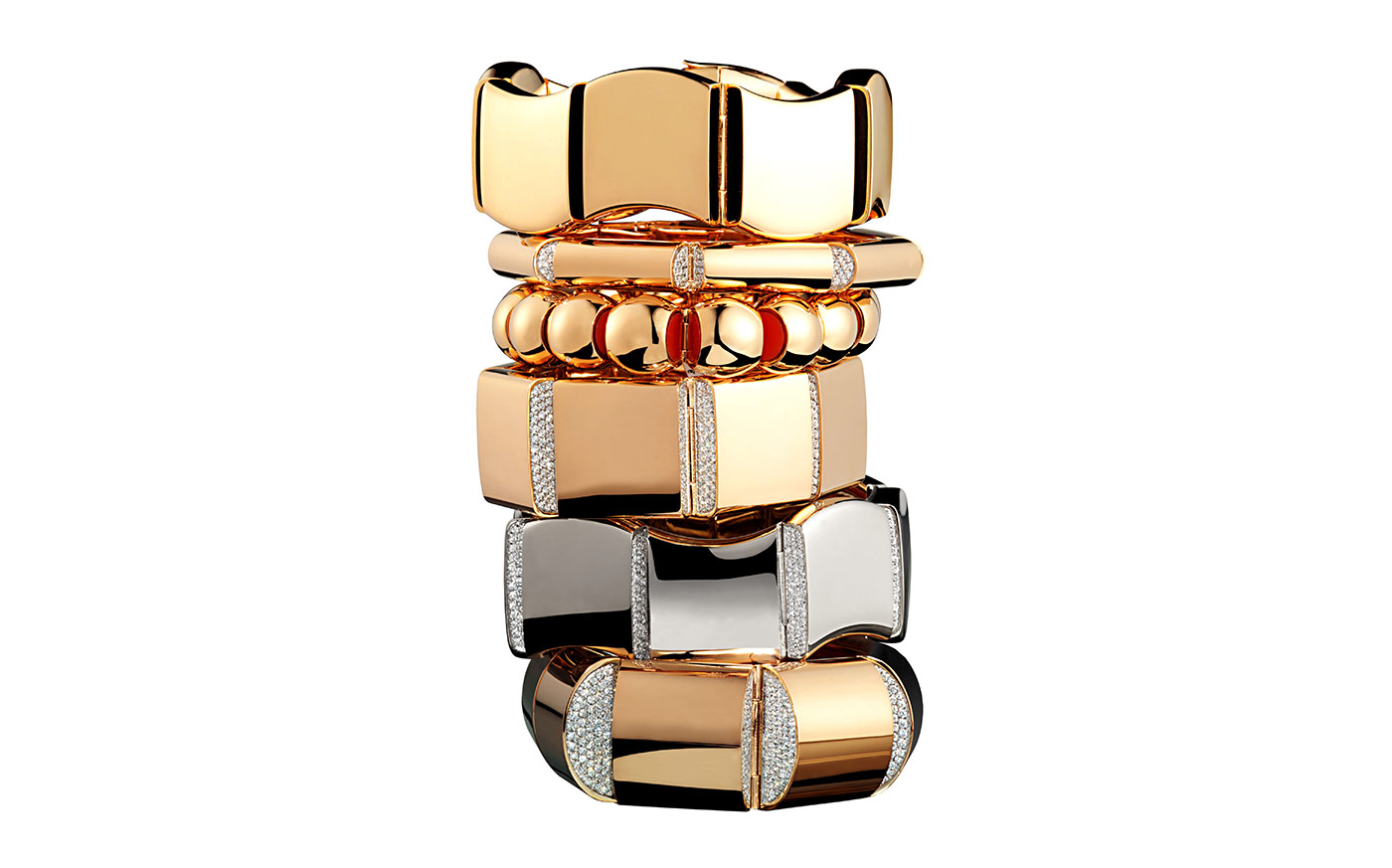 Vhernier 'Sorpresa' bangles in yellow gold with diamonds