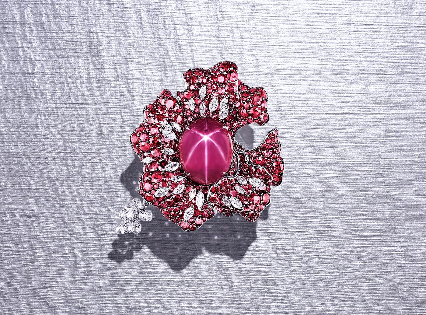 Feng J 'Amour Code' ring with an oval star ruby, rubies and diamonds