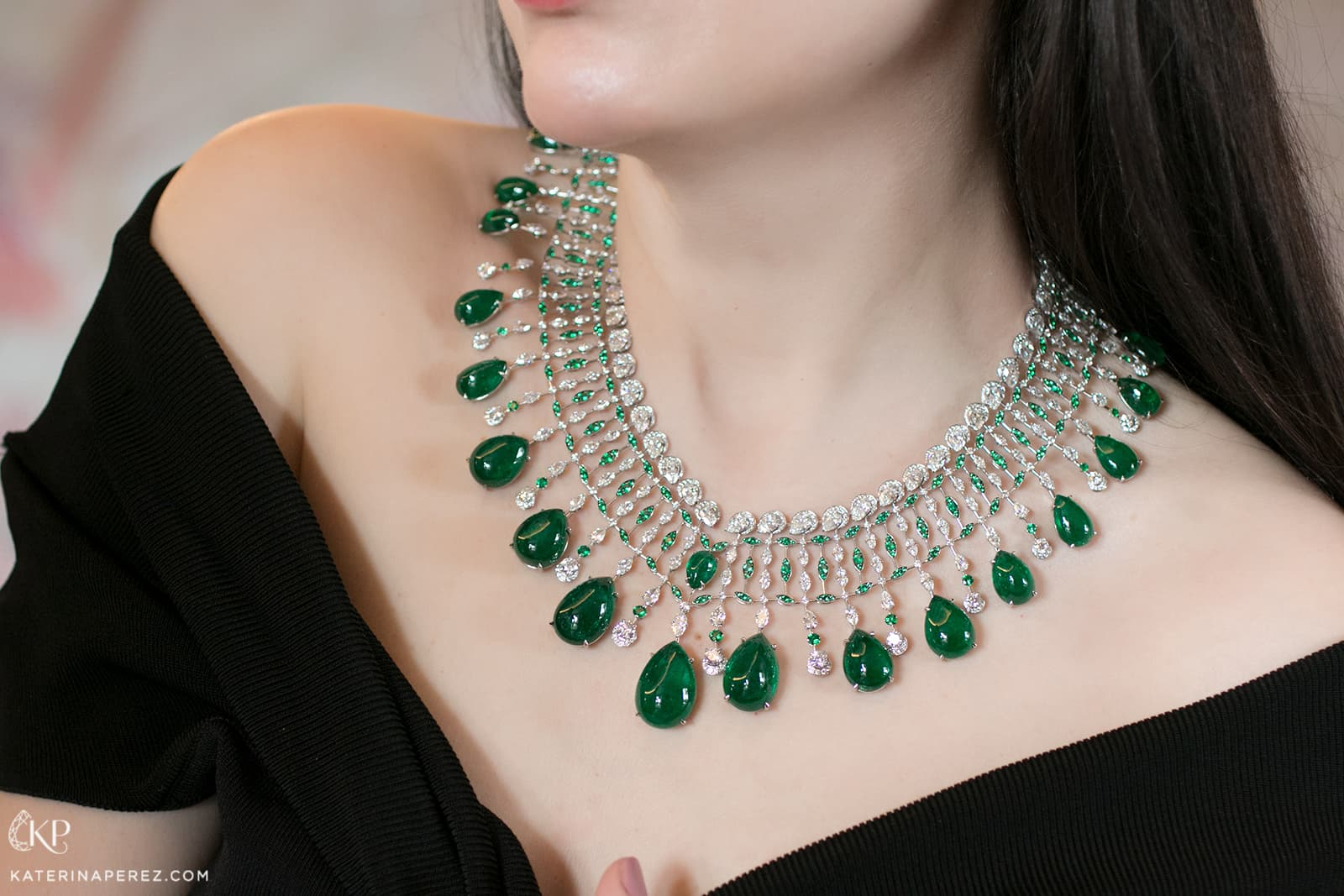 Chopard Red Carpet 2019 collection necklace with pear cut cabochon emeralds, emeralds and diamonds