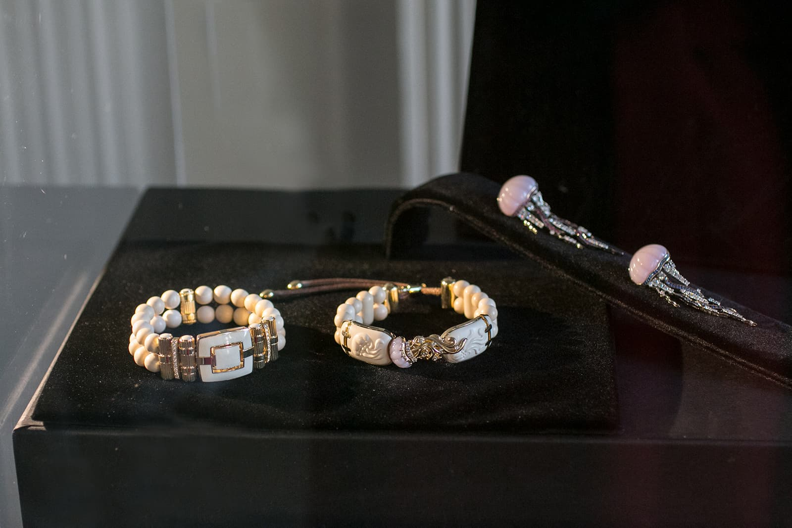 Notivory and ICHIEN mammoth tusk jewellery