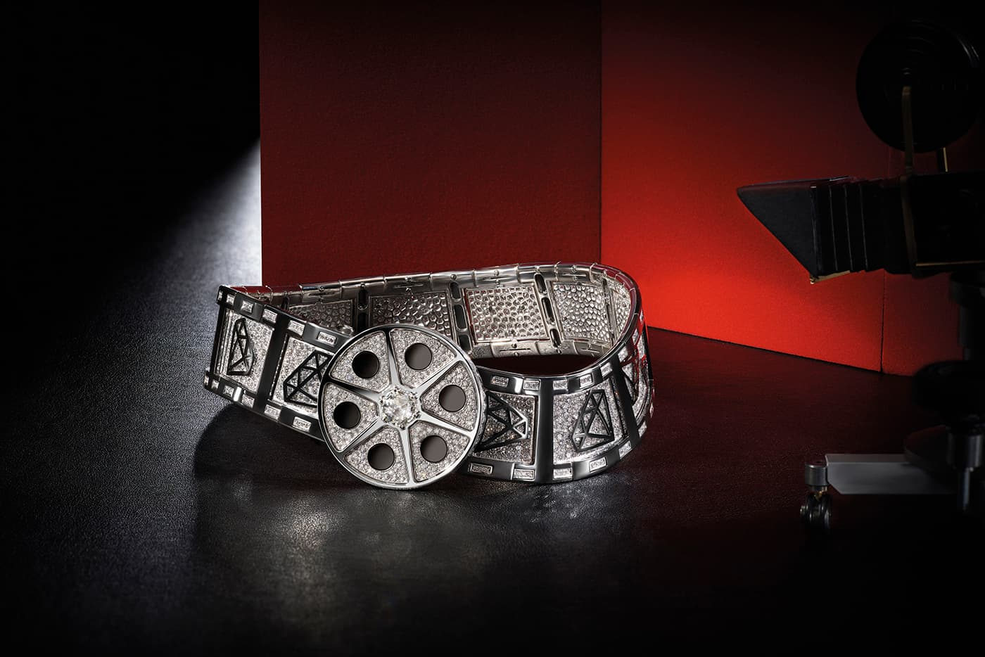 Bvlgari 'Cinemagia' collection 'Action!' necklace with 32ct of diamonds in zirconium