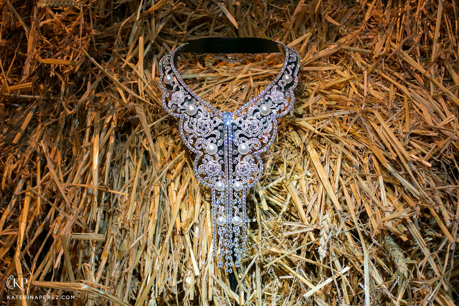 Chanel 'Le Paris Russe de Chanel' collection 'Sarafane' necklace with diamonds and pearls in white gold