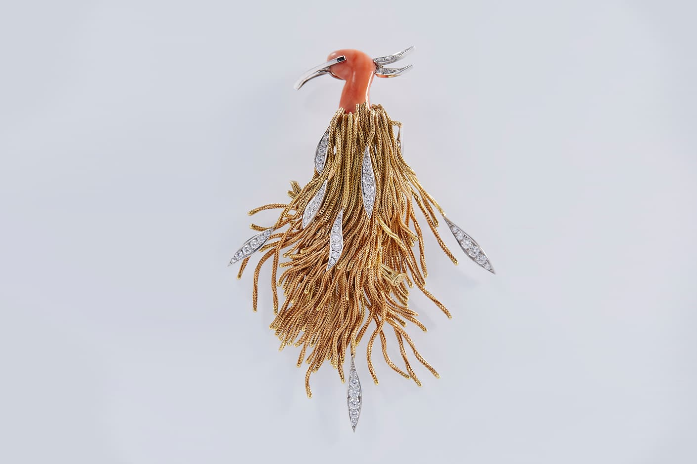 https://www.katerinaperez.com/uploads/editor_file/link/21253/Pierre_sterle_bird_brooch_coral_platinum_diamonds.jpg