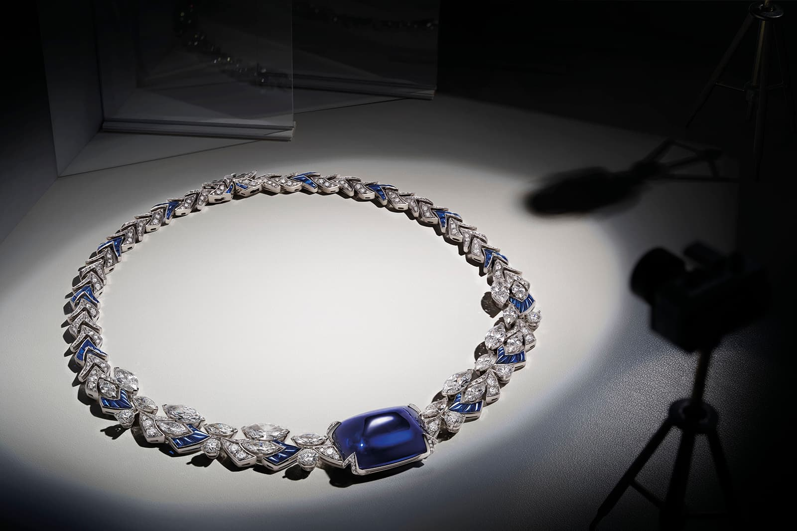 Bvlgari 'Cinemagia' necklace with 70.22 cts cabochon sapphire, 11.36 cts buff-top sapphires and 28.16 cts of diamonds
