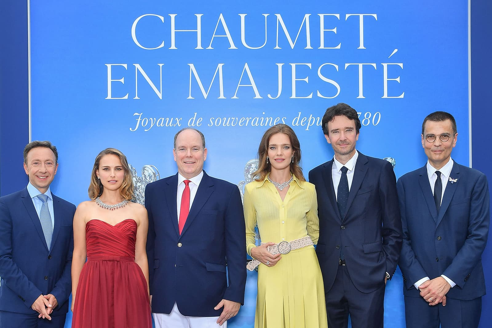 Stéphane Bern, Natalie Portman, HSH Prince Albert II, Natalia Vodianova и Jean-Marc Mansvelt на выставке 'Chaumet in Majesty: Jewels of Sovereigns Since 1780'