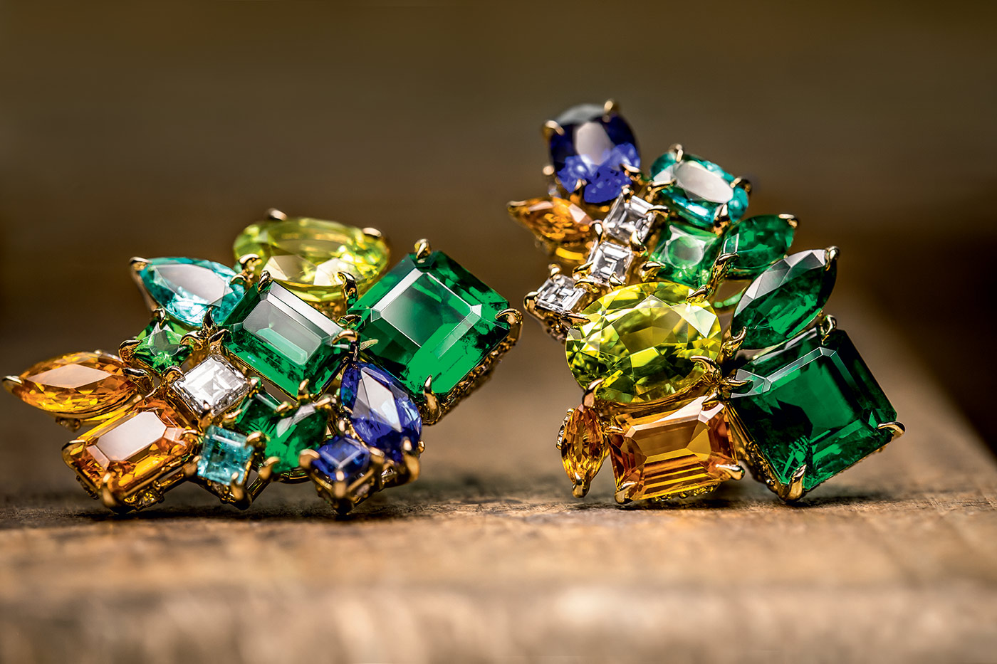 'Gem Dior' earrings with emeralds, spessartine garners, sapphires, Paraiba tourmaline, diamonds and tsavorites. Photo by Pol Baril