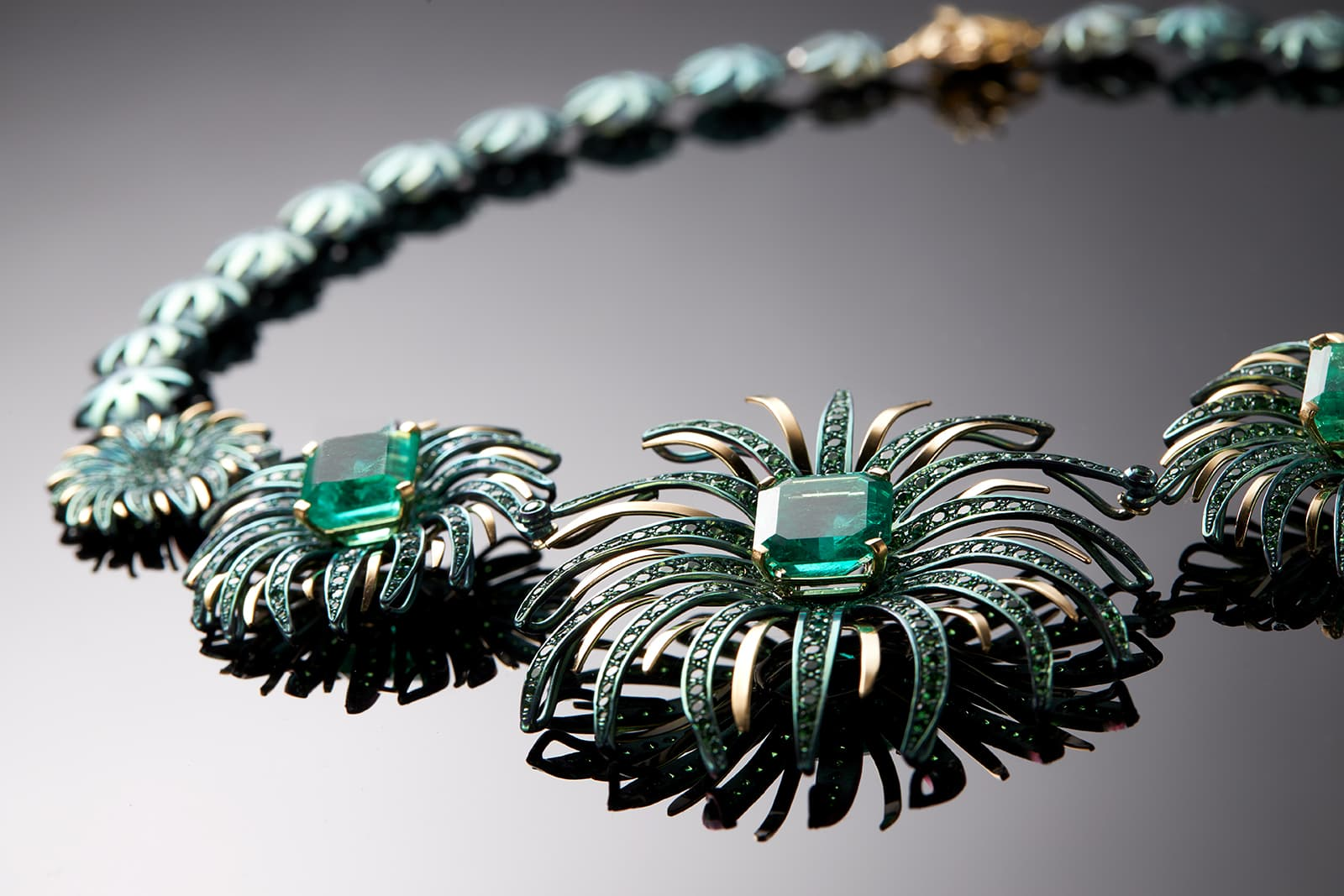 Faraone Mennella 'Fireworks' necklace with emeralds in titanium and yellow gold