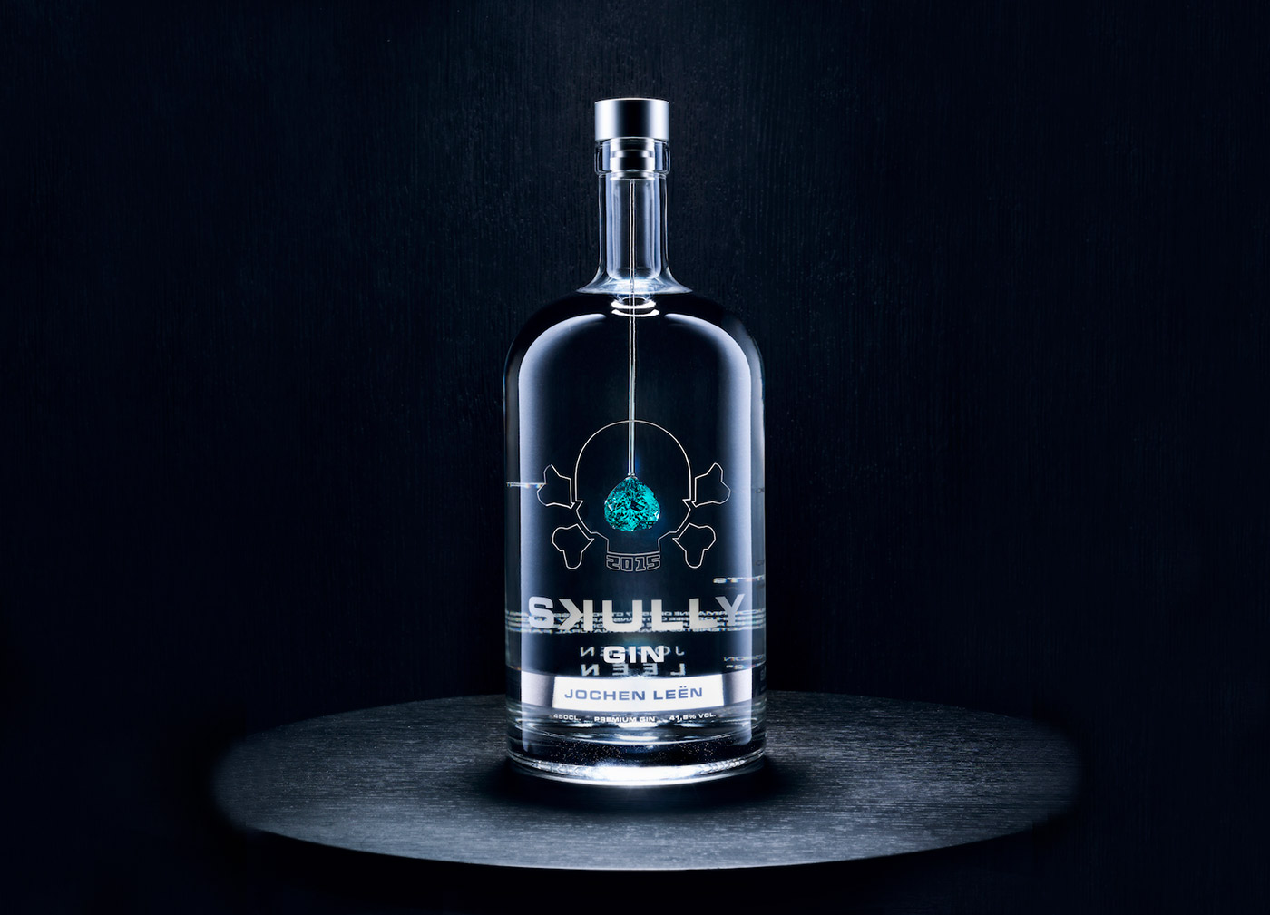 Jochen Leen x Skully Gin gift bottle with Paraiba Tourmaline