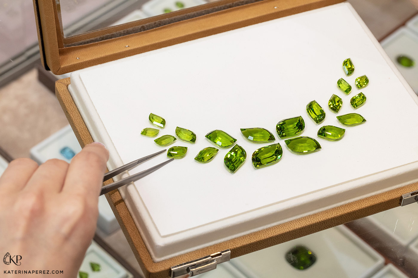 Nomad's Gems AGTA award winning 163 cts peridot Layout