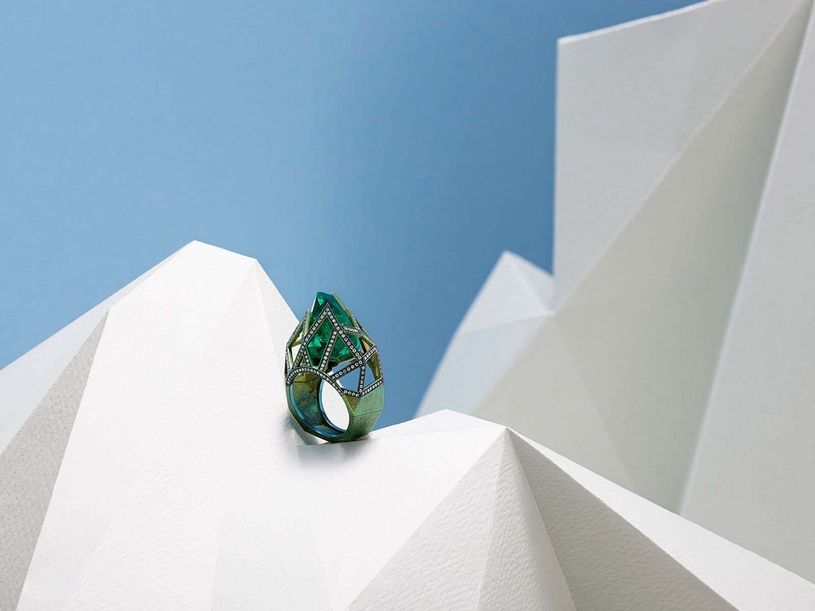 VMAR 'Orion' ring with uniquely cut 16.54ct Colombian emerald and diamonds in green titanium
