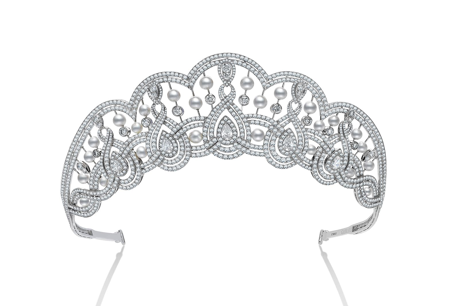 Garrard tiara with pearls and diamonds in white gold