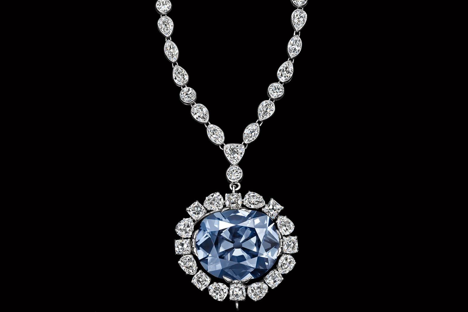 Колье с синим бриллиантом Hope («Надежда») 45.52ct